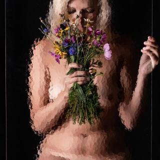 Glas 10 Frau Akt Blond Blumen Kunst