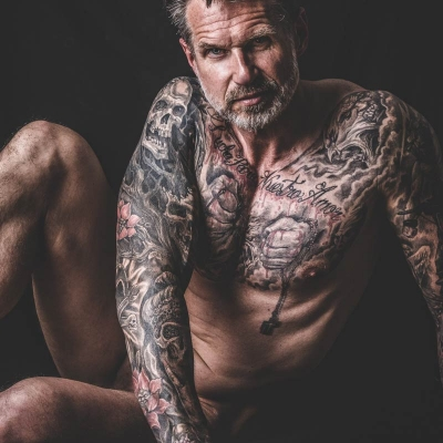 PwB Fotografie Akt Mann Tattoo
