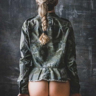 PwB Fotografie Akt Rücken Frau Blonder Zopf